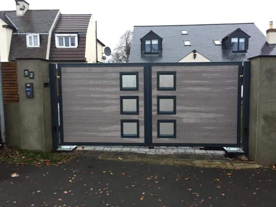 Cladded & frosted glass electric gates
